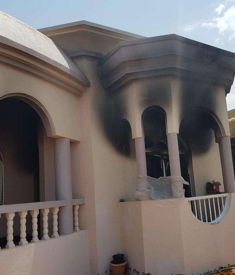 fire, UAE, fujairah, civil defence, firefighters