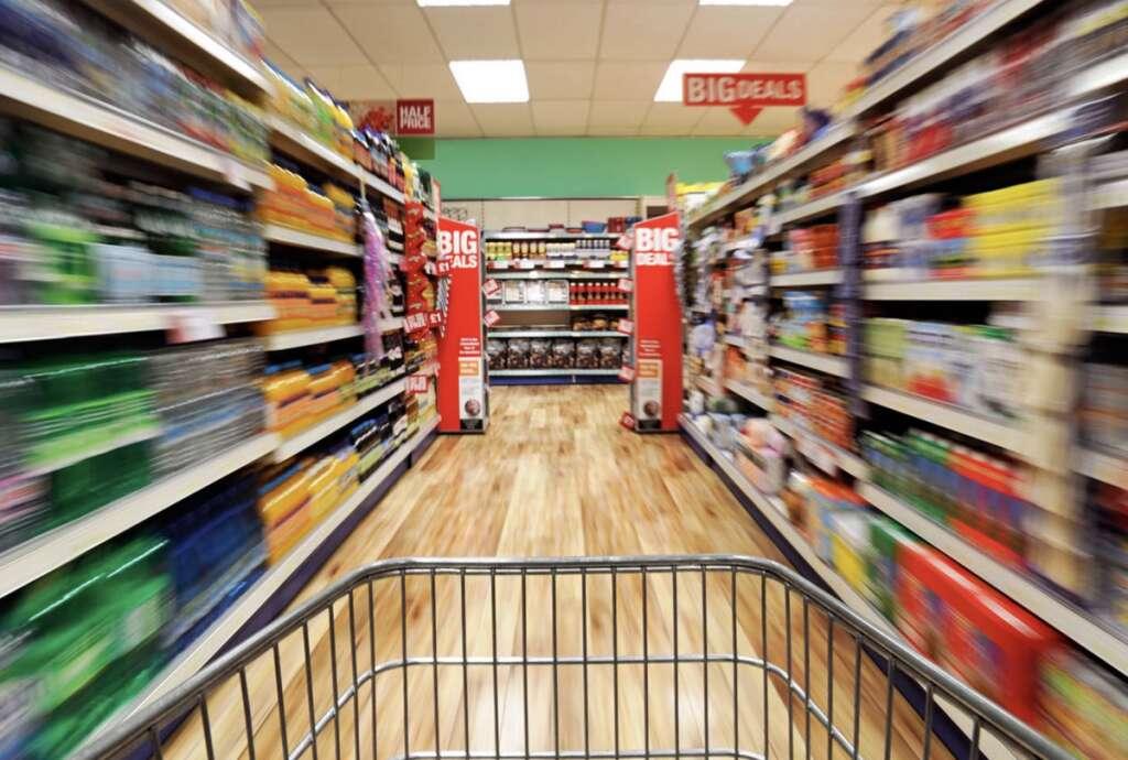 Cut, grocery budget, half, ?UAE residents, shopping hacks