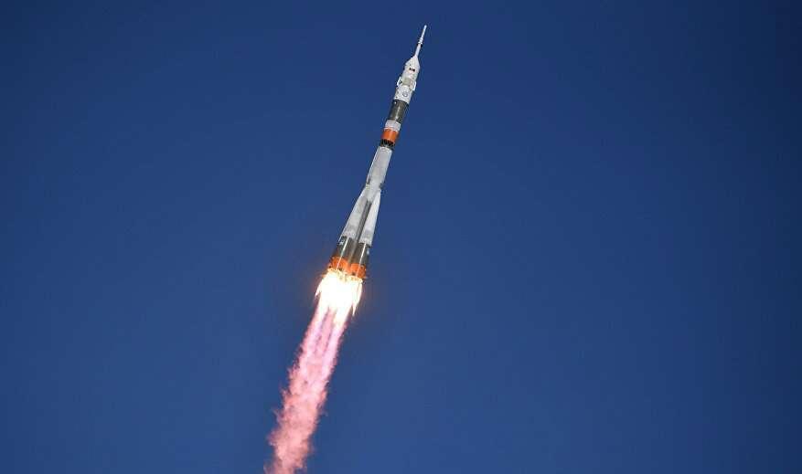Soyuz makes emergency landing after engine problem