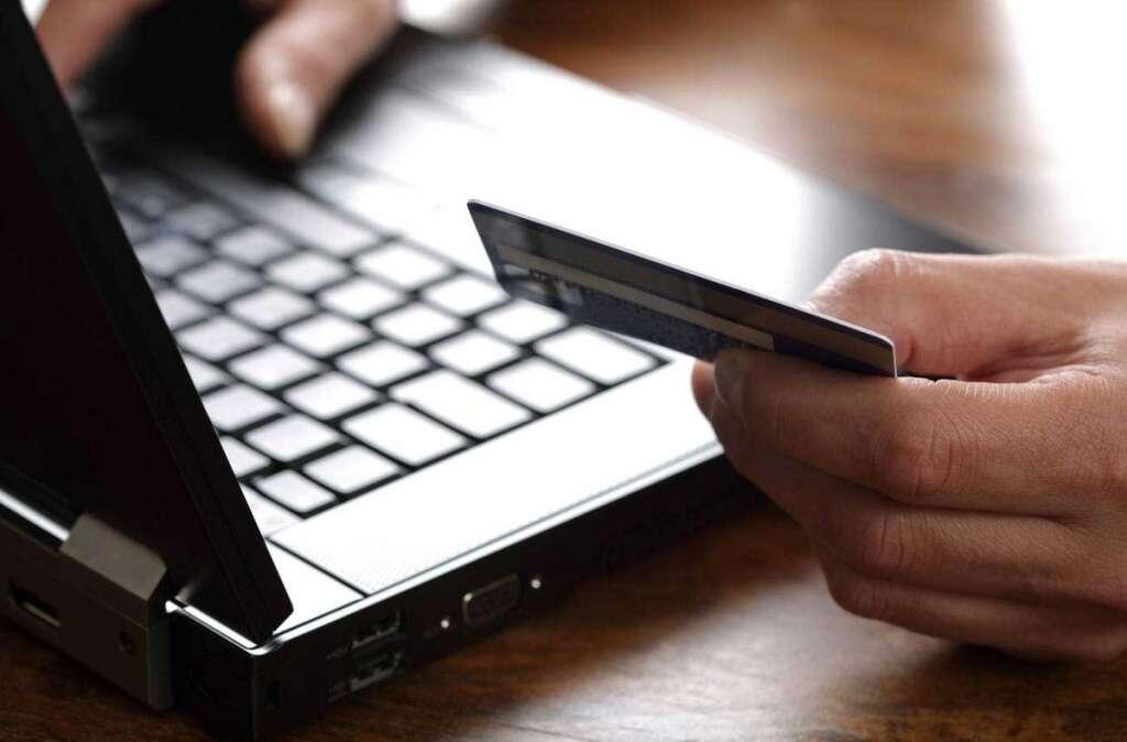 Dubai expat, Dh 20,000, credit card, fake papers, credit card, Pakistani worker, salary certificate