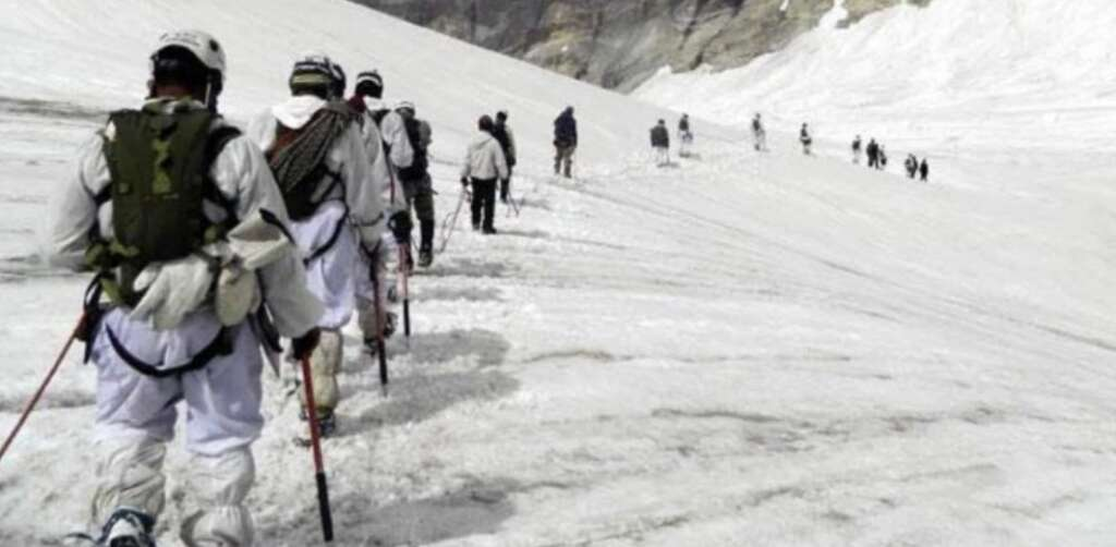 indian soldiers, siachen, avalanche, snow, trap, trapped, army