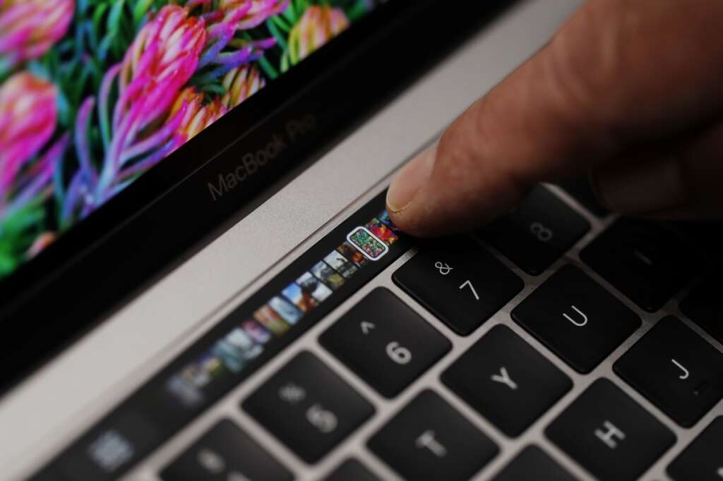 New Apple MacBook apparently in the works