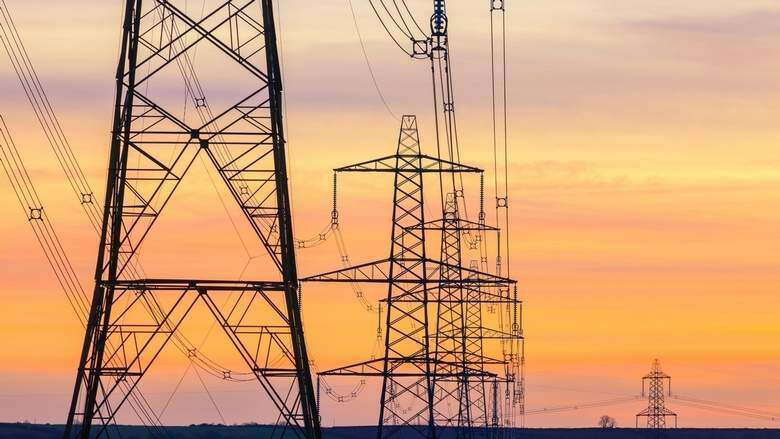 Pay electricity, water bills on time in UAE or face cuts, Dh100 fine