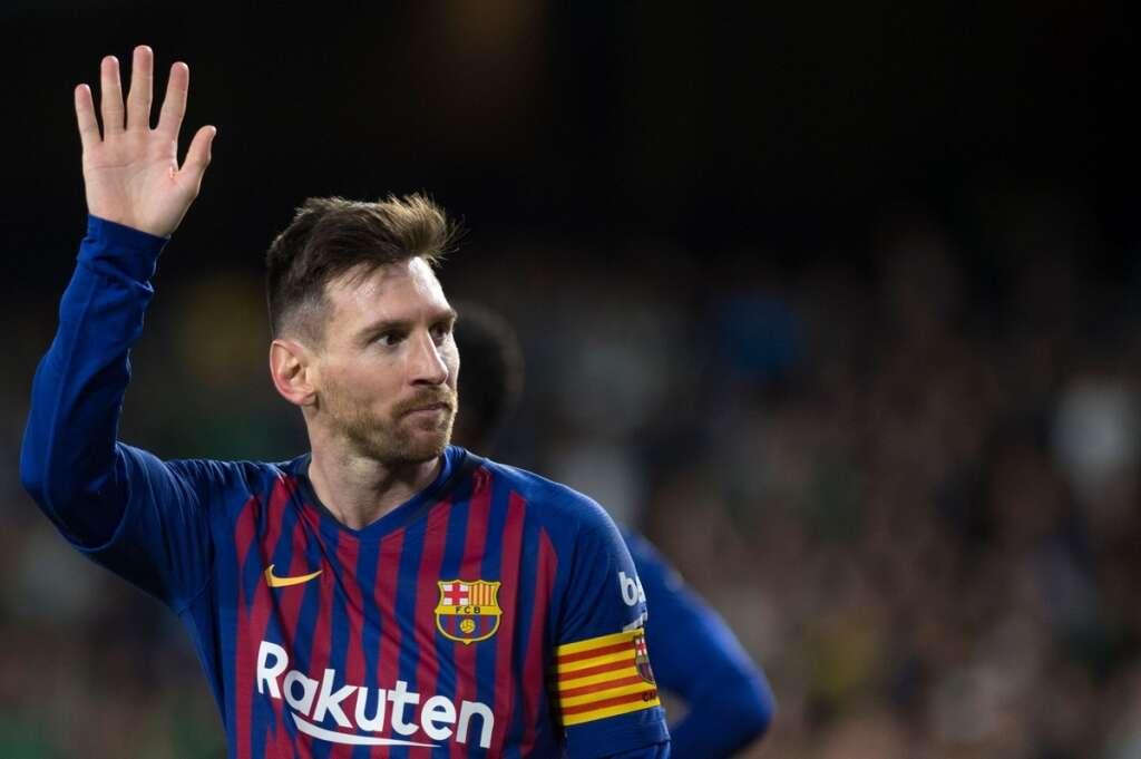 Messi demands calm after chaos