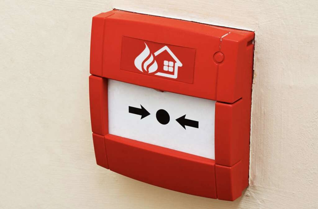 homeowners, UAE, must, instal, fire detectors, connect, civil defence