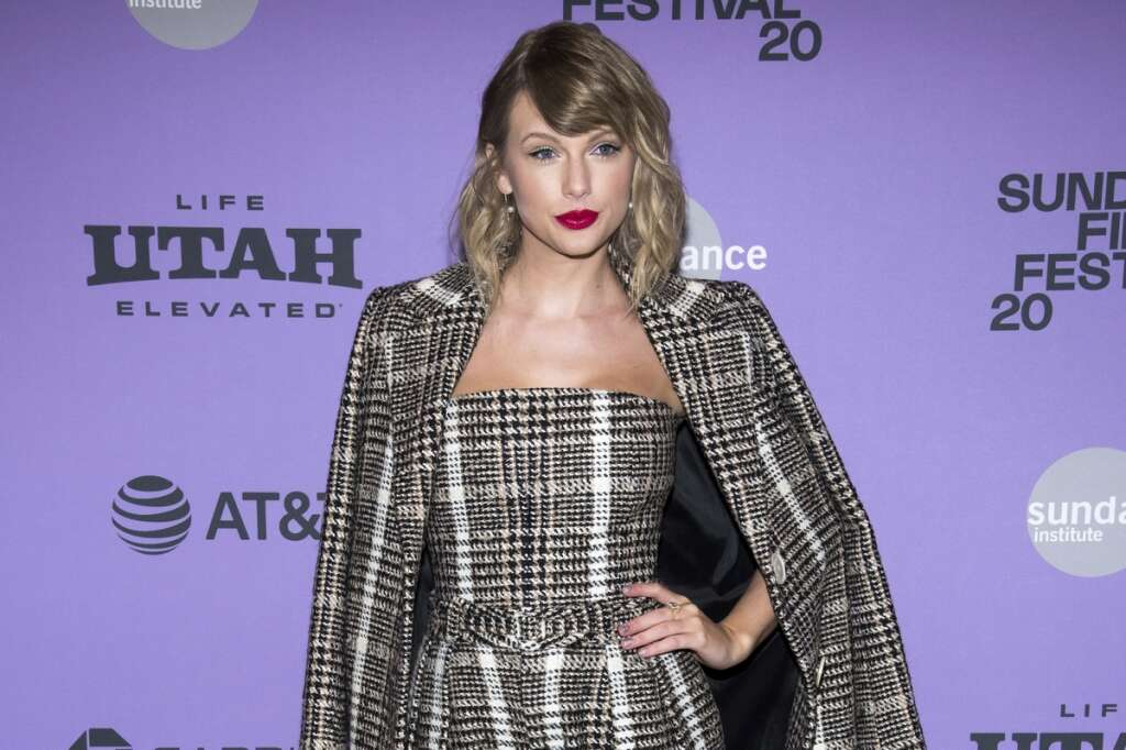 Taylor Swift, premiere, ACM Awards, American Country Music Awards, country, music, star, singer, betty, Folklore