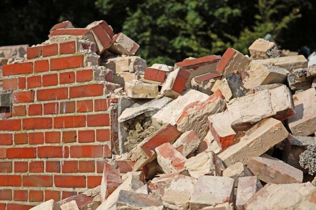 Man crushed to death in wall collapse in Sharjah - News