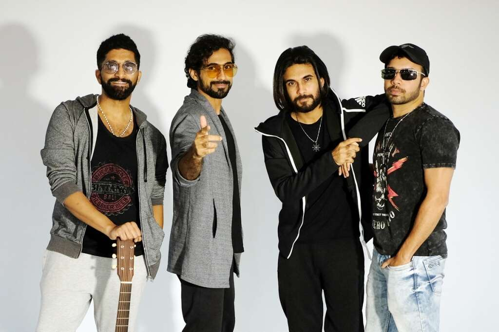 Theres love all around with Sanam on V-Day