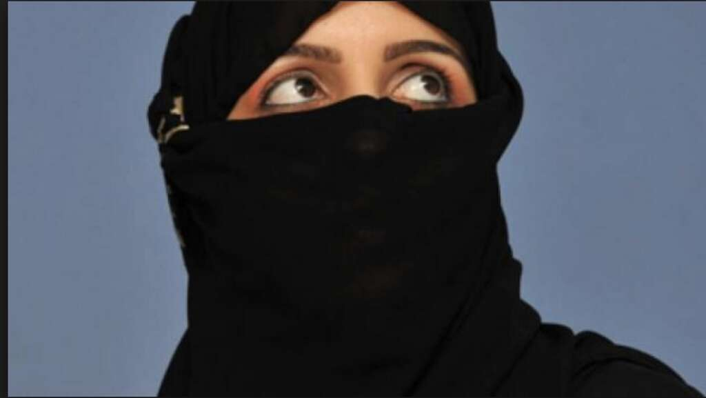 Swiss government rejects burka ban initiative