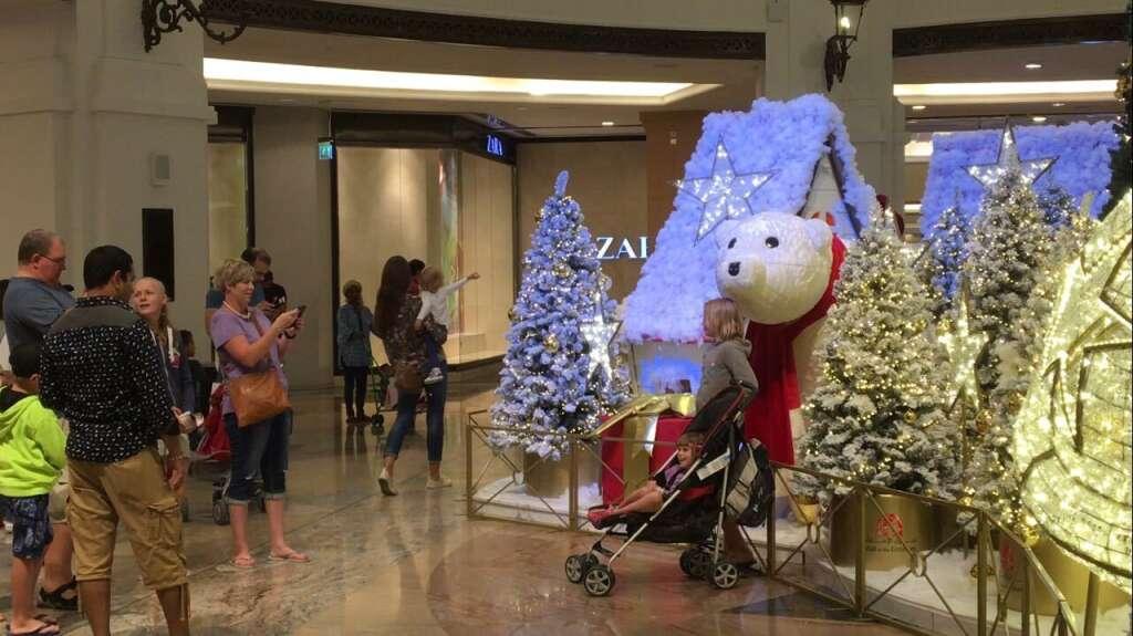Dubai Malls Light Up With Christmas Decorations News