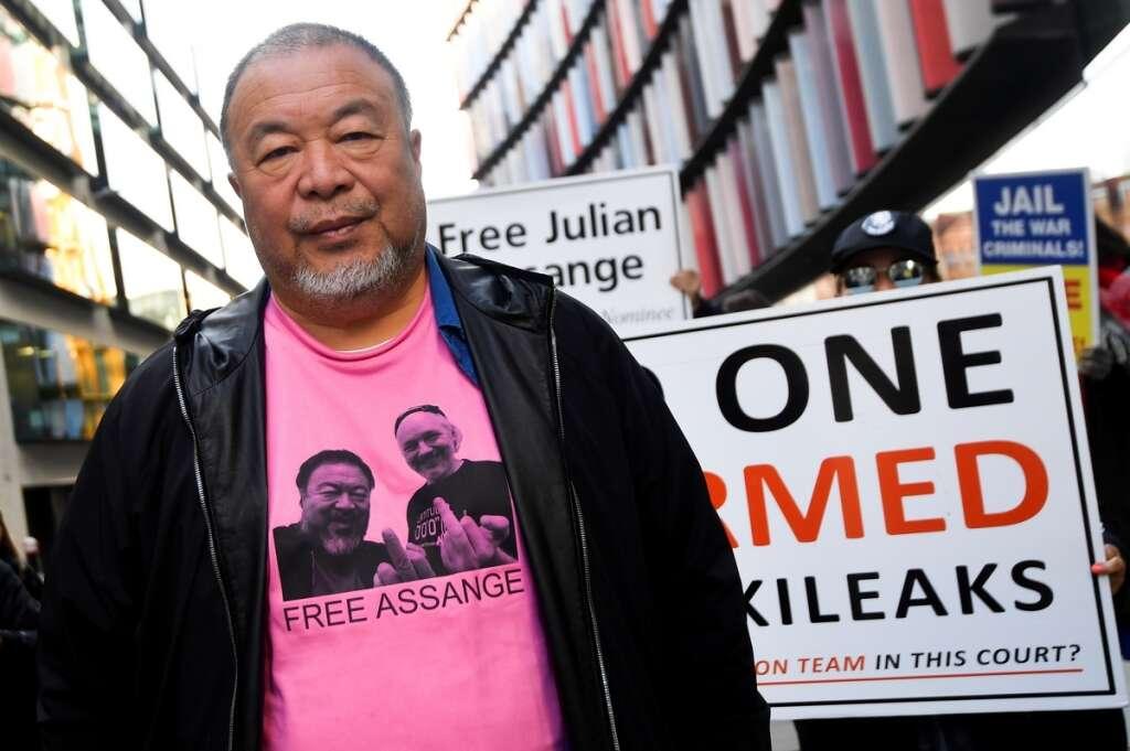 Assange, Ai Weiwei, silent protest