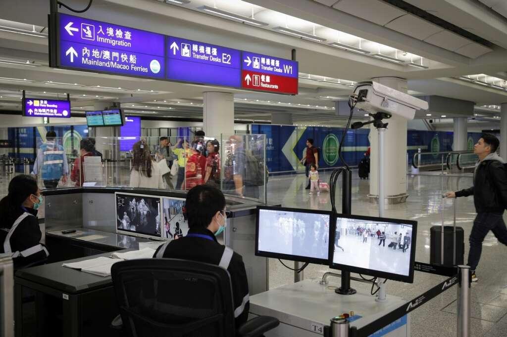 Coronavirus outbreak: China seals off two more major cities