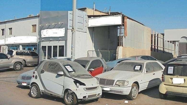 uae, abandoned cars, public appearance