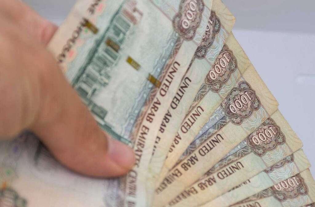 Saleswoman, Dubai, steals, Dh50,000, jewellery, shop,