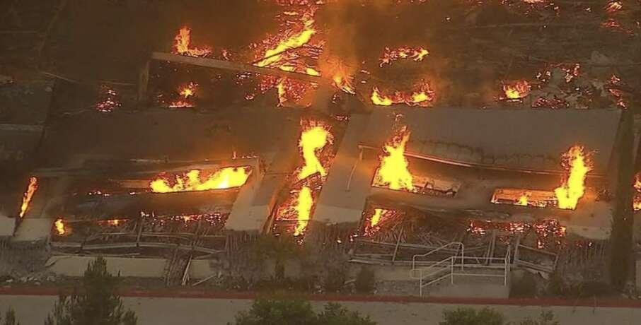 California, Amazon, Fire destroys, warehouse