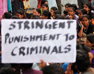 Gang rape victim dies; peaceful protests in Delhi