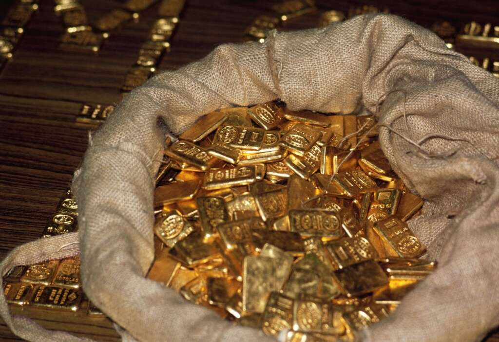 gold smuggling, india airport, consulate