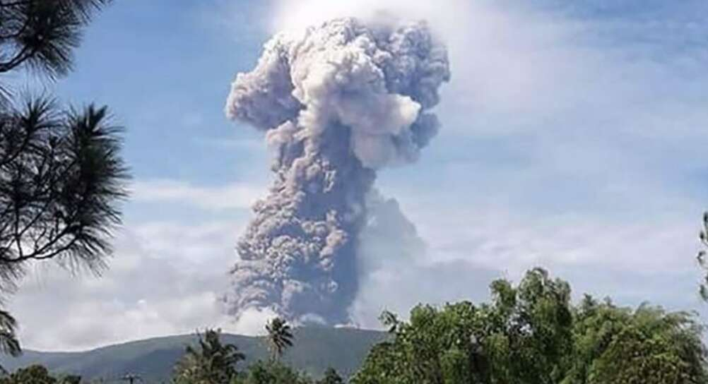 Volcano erupts in Indonesian region hit by tsunami, earthquake