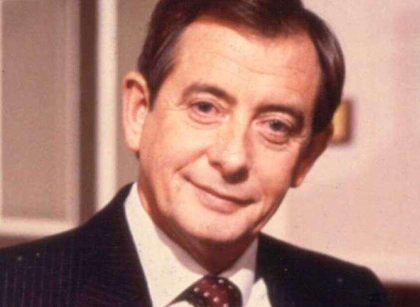 Yes Minister, actor, Derek Fowlds, dies, 82,