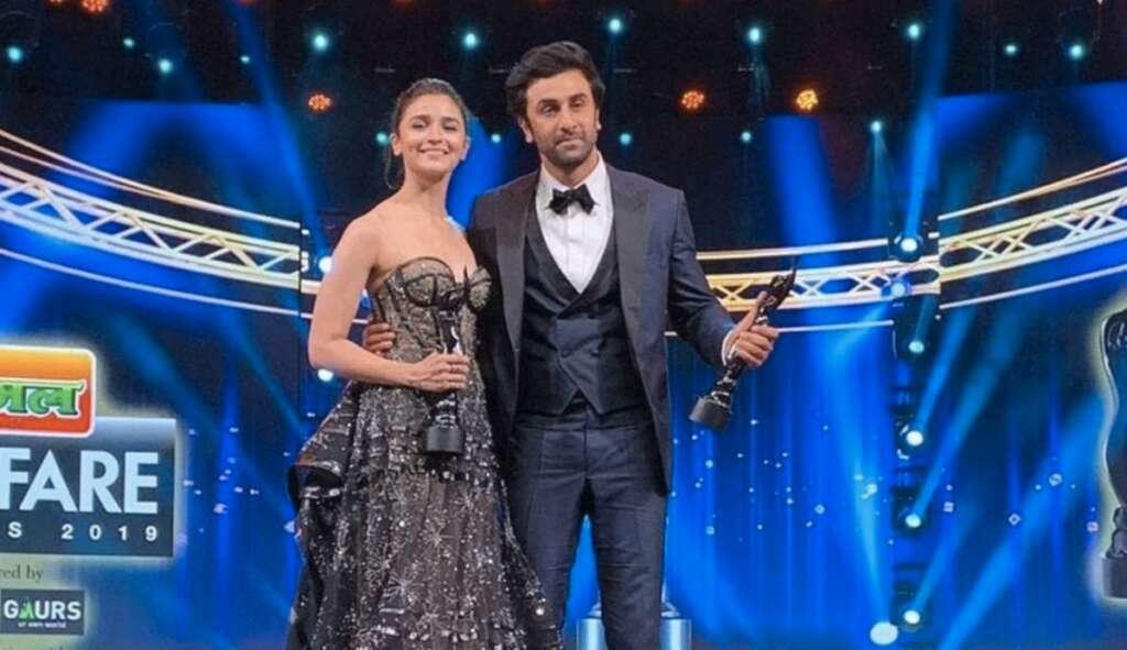 Video: Ranbir, Alia win big at 64th Filmfare Awards - News