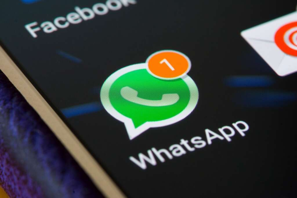 whatsapp, bug, crash, group chat, facebook