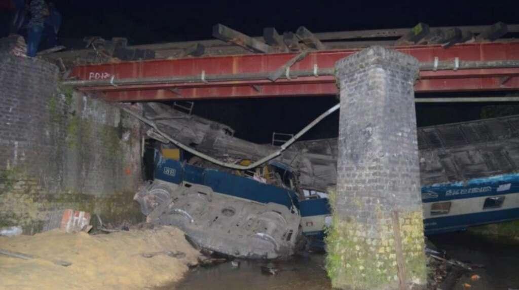 Four killed, over 100 injured in Bangladesh train derailment