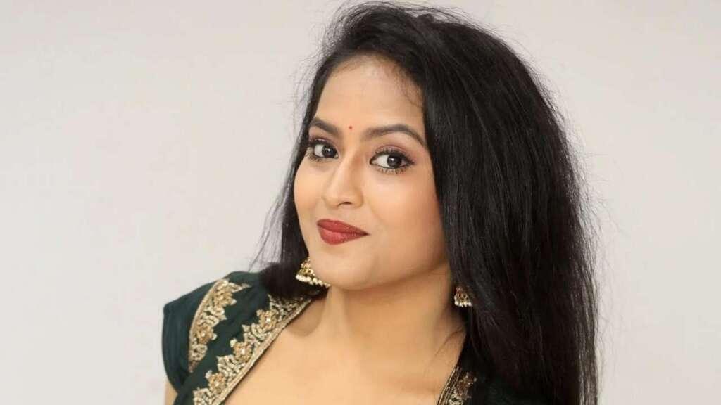 Kondapalli Sravani, three, booked, suicide, case, police, Hyderabad, Telugu, TV, television, actress