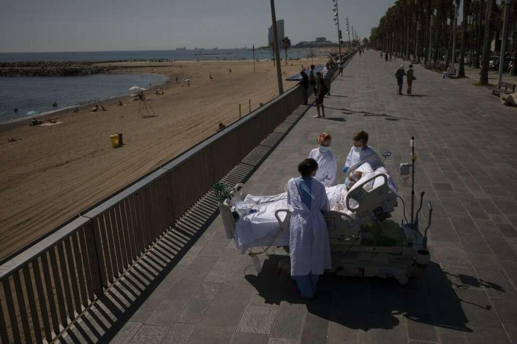 Spanish doctors, hope, beach trips, help, ICU, coronavirus, patients