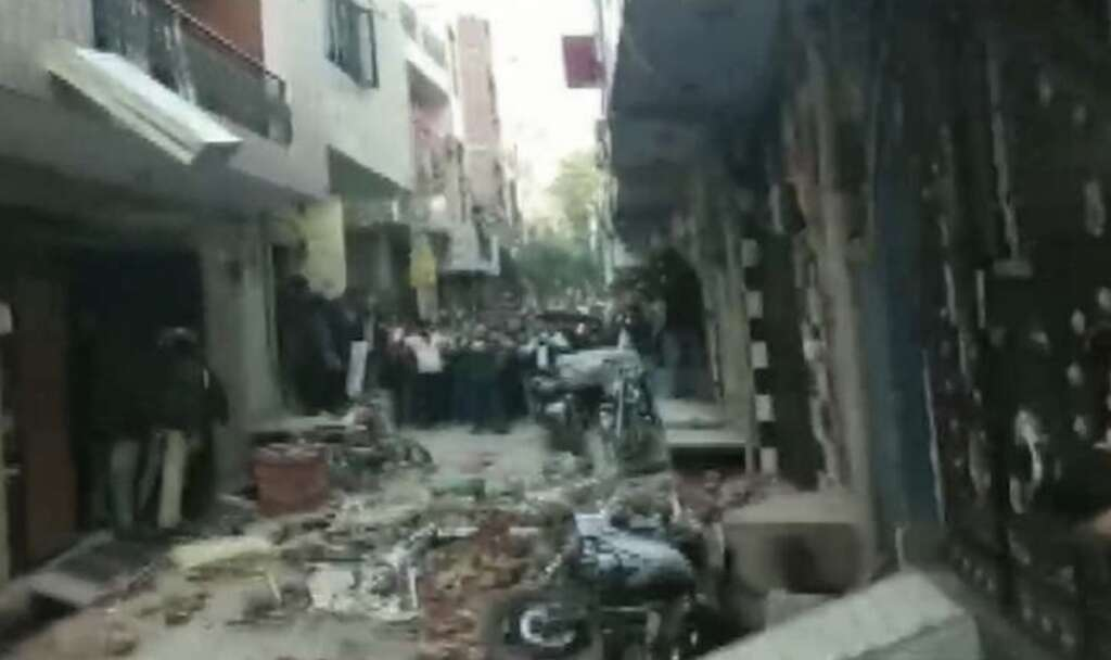 india, capital, 5 people, building collapse, indian capital