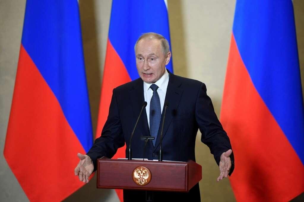 Russian, President, Vladimir Putin, protected, coronavirus, Covid-19, disinfection tunnel, residence, Moscow, RIA
