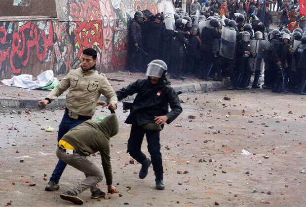 Egypt's constitution seen passing in referendum
