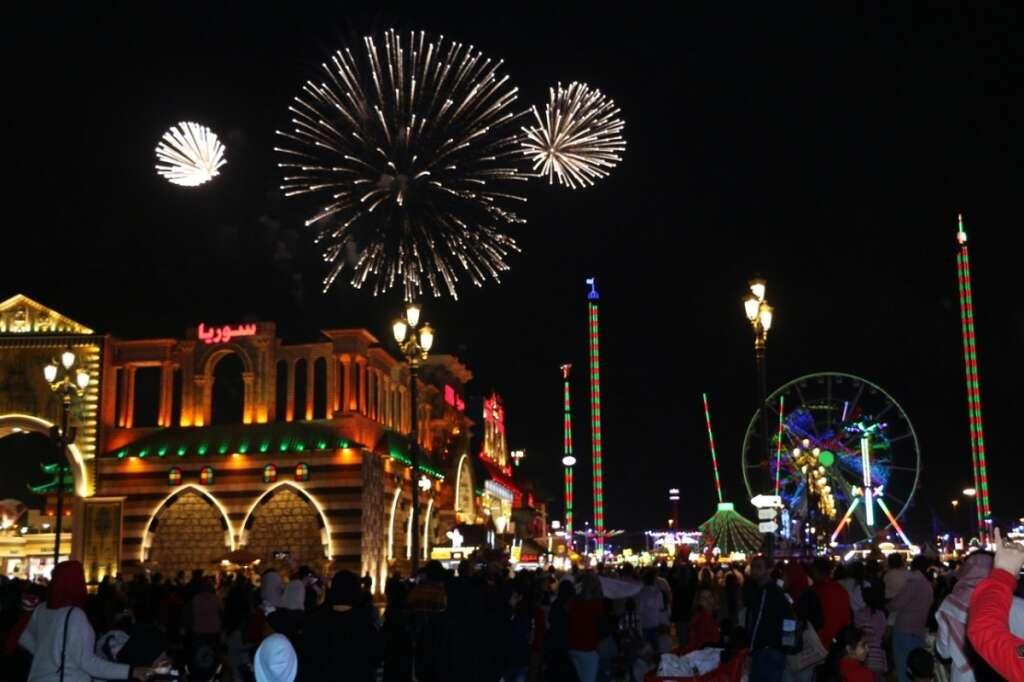 Grand, celebrations, herald, brand new, decade, UAE, Burj Khalifa,  fireworks, Dubai Mall, Burj Park, NYE