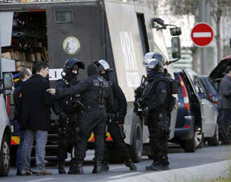Troops deployed around edgy Paris ahead of rally