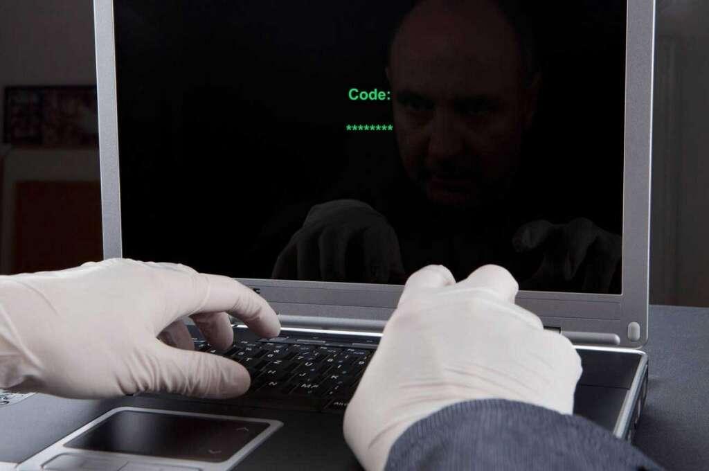Cybercriminals, Criminals, weapons, fake websites, promote, drugs, explosives,