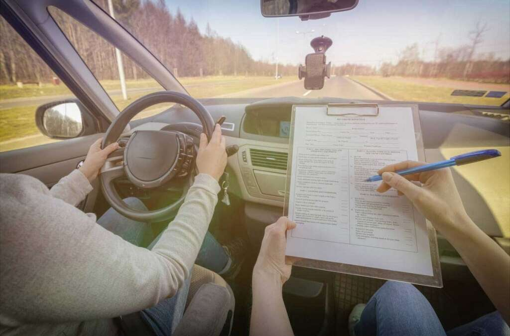 Dubai expat, Court of First Instance, licence applicants, pass test, driving examiner, bribe, driving test,