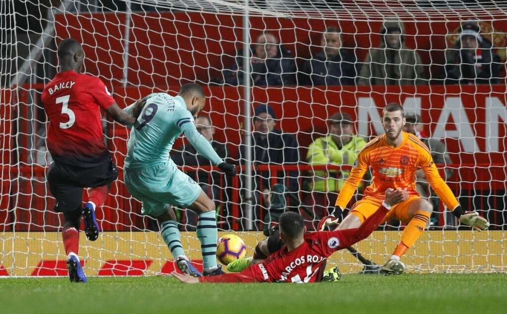 Manchester United fight back to draw with Arsenal