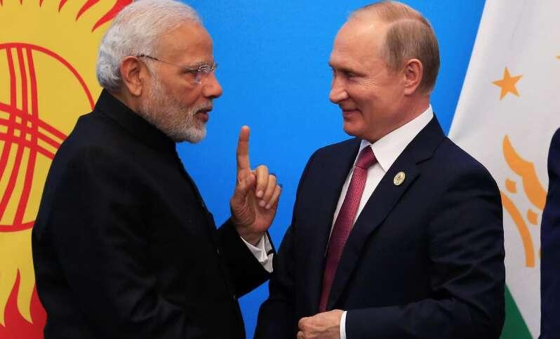 Narendra Modi, Putin hold restricted meeting