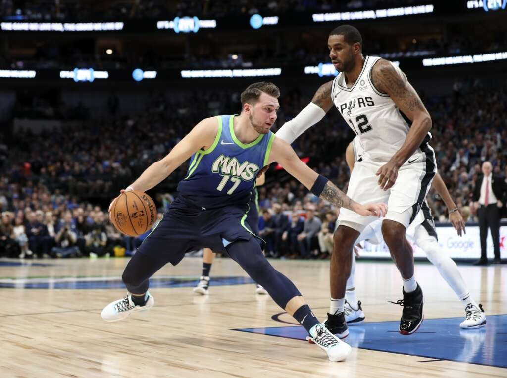 Doncic shines in return, Mavs maul Spurs