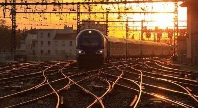 Driverless train derails after 92 km in Australia - Khaleej Times