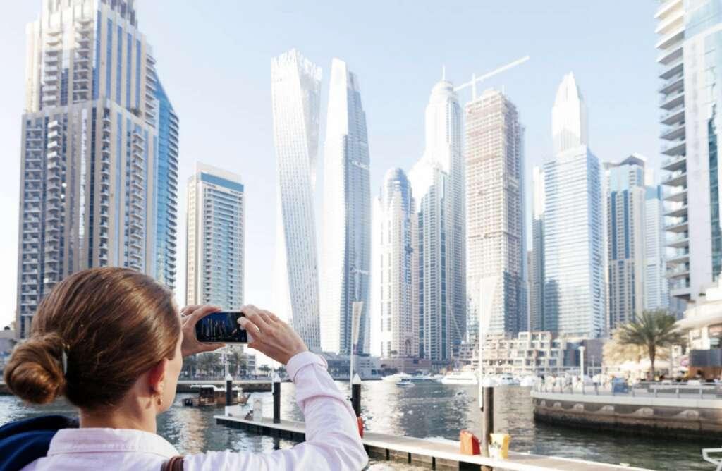 Dubai, welcomes, tourists, 30 countries