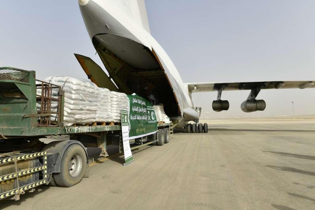 Saudi Arabia sends two relief planes to Yemen