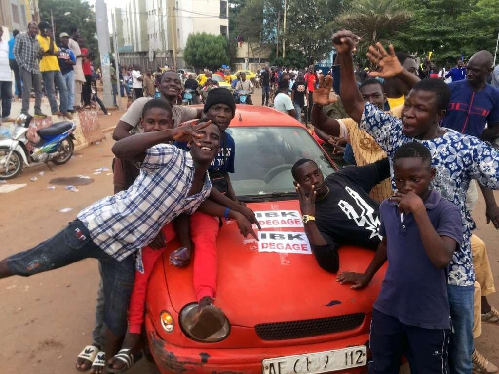rebel troops, seized, malian president ibrahim boubacar keita, prime minister boubou cisse
