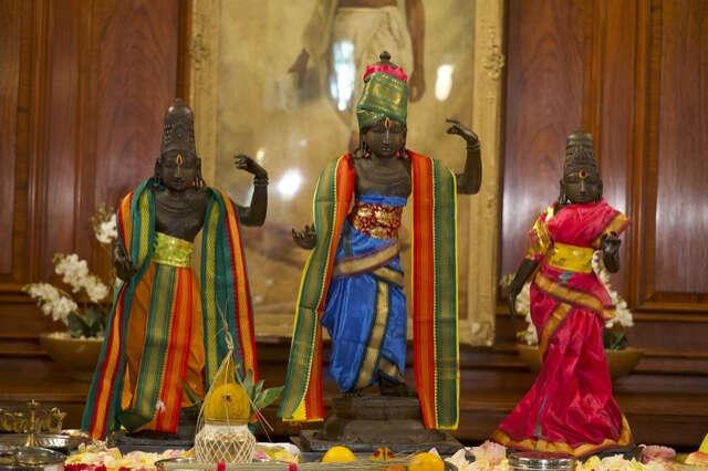 Indian sculptures, Britain Police help