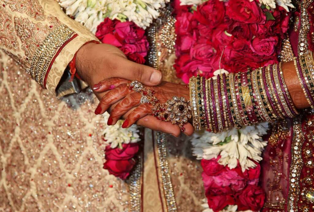 Brother, sister marry each other to get Australia visa