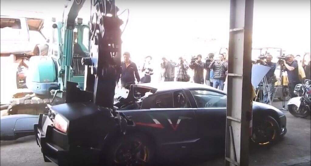 Watch Dh1 3 Million Lamborghini Gets Crushed In Front Of Owner
