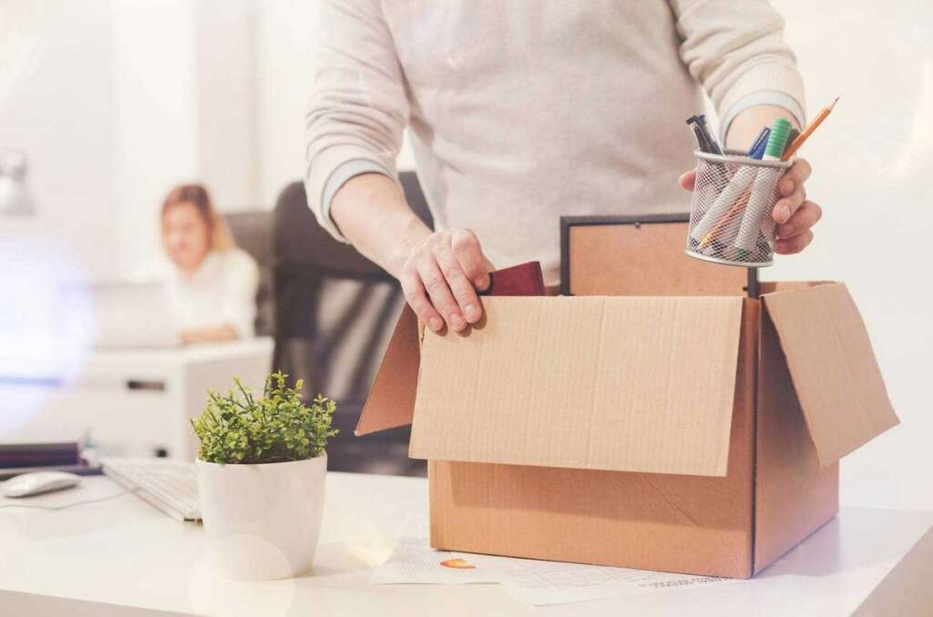 Compensate, employer, serve, notice period, UAE, Legal view, probation period
