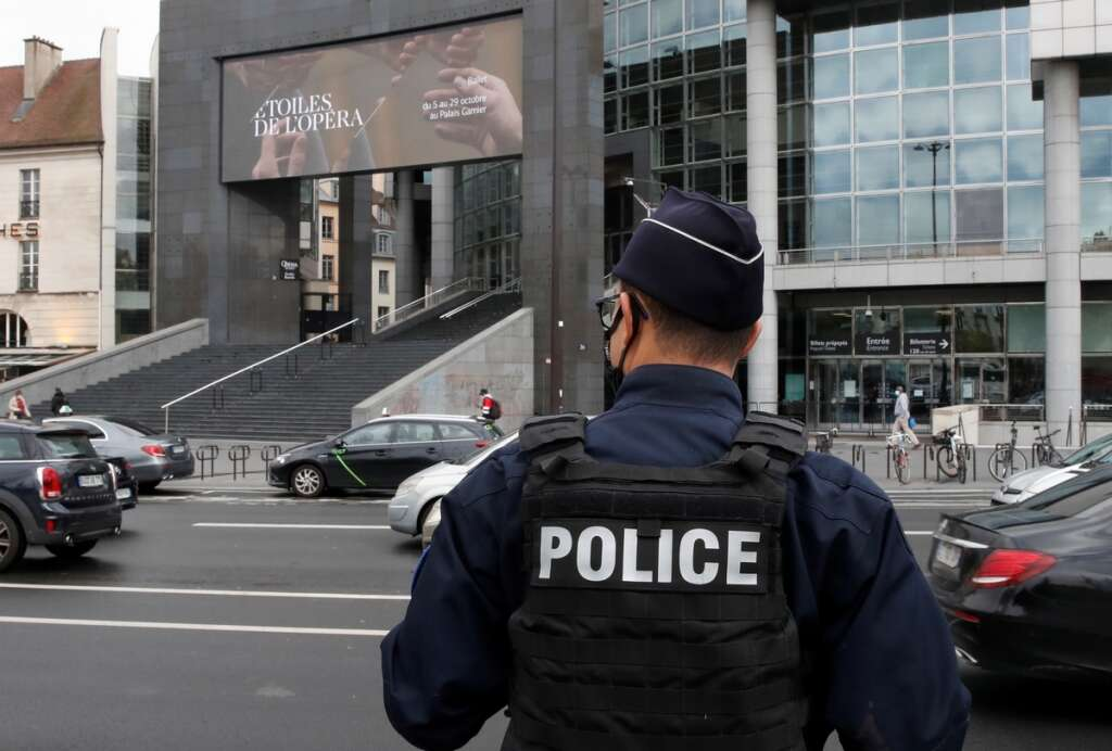 Paris, video, attack, Pakistan, Hassan, France