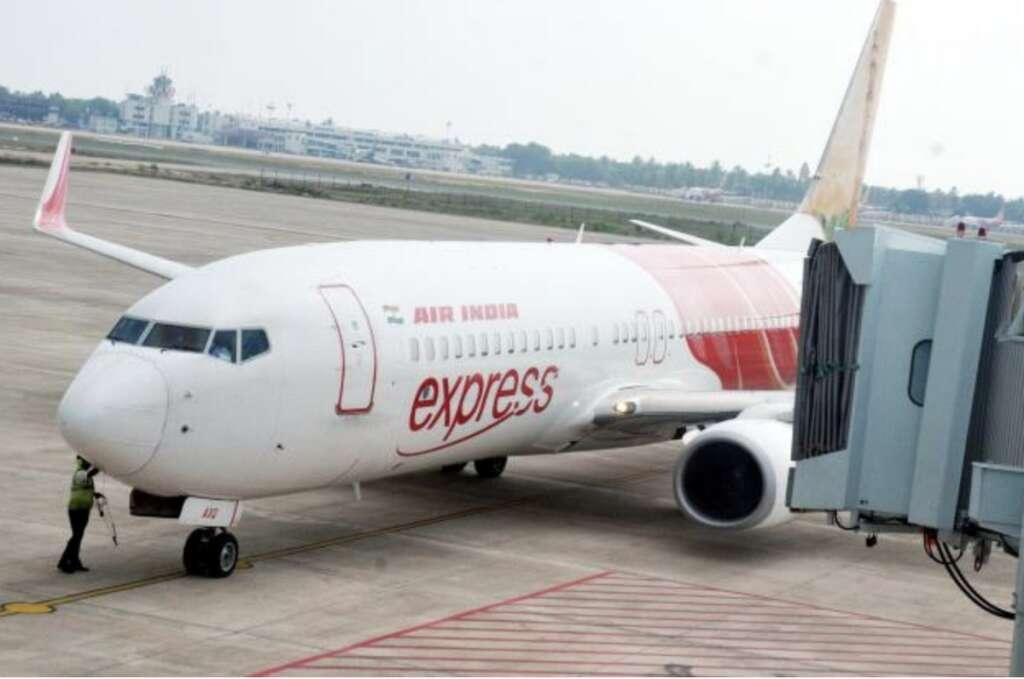 Emergency landing fails to save cardiac arrest passenger