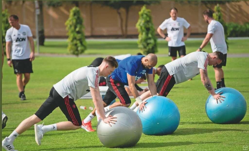 Manchester United undergo training in Dubai