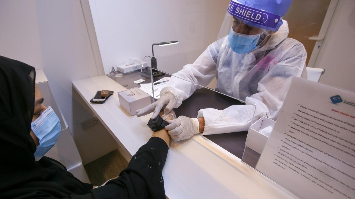 Combating, covid19, coronavirus, Smart wristbands, monitor, self isolation, Abu Dhabi